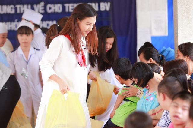 Á hậu Hoàng Oanh, Thuỳ Dung mang trung thu về với trẻ khuyết tật Tây Ninh - Ảnh 12.
