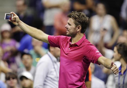 Nhìn lại chiến thắng ngọt ngào của Wawrinka trước Djokovic - Ảnh 14.
