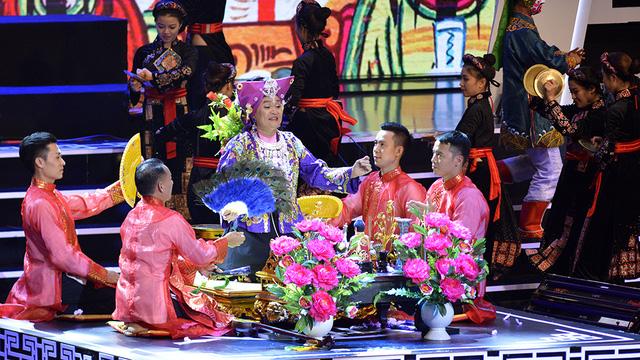 Xuân Hinh múa hầu đồng khiến khán giả choáng ngợp - Ảnh 14.