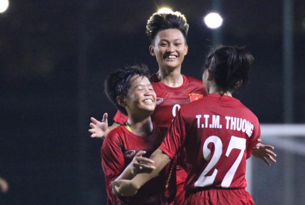 Thắng Iraq 3-0, U16 nữ Việt Nam vững ngôi nhì bảng D  - Ảnh 2.