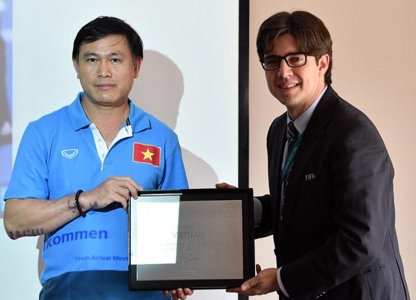 """Trưởng đoàn ĐT Futsal Việt Nam Trần Anh Tú: """"Các cầu thủ đã tự tin và bản lĩnh hơn rất nhiều"""" - Ảnh 2."""