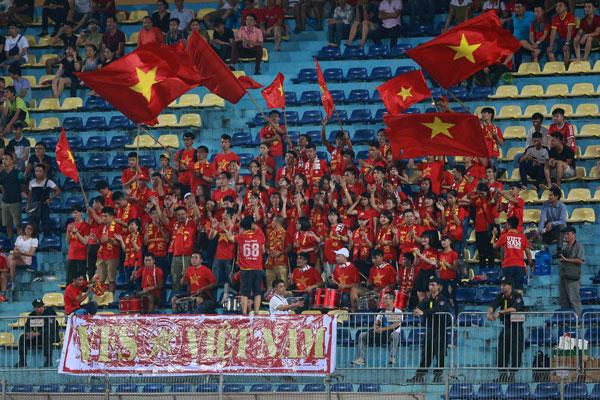 VIDEO U19 Việt Nam 0-0 U19 Singapore: Vô duyên đến ngỡ ngàng - Ảnh 2.