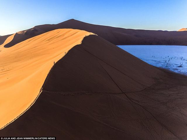 Khó tin với vẻ đẹp bất tận của cồn cát ở Namibia - Ảnh 2.