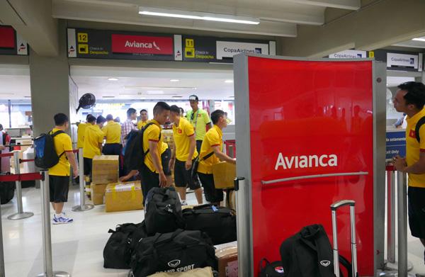 ĐT Futsal Việt Nam đã có mặt tại Bucaramanga chuẩn bị cho trận đấu với Italia - Ảnh 2.