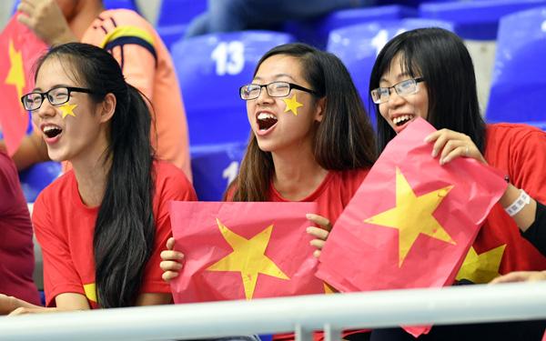 Chủ tịch VFF Lê Hùng Dũng chúc mừng ĐT Futsal Việt Nam sau kỳ tích tại World Cup - Ảnh 1.