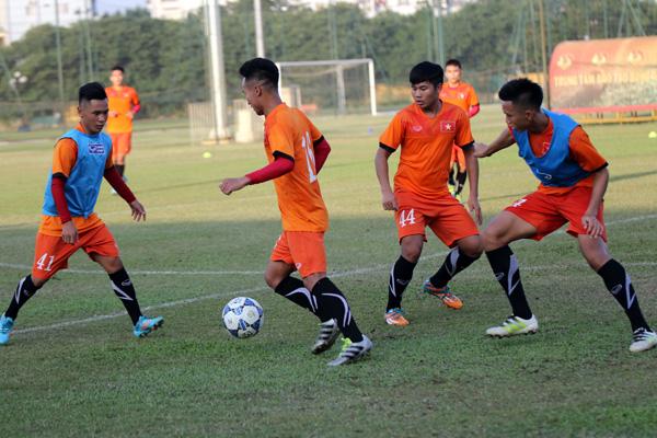 U19 Việt Nam trở lại tập luyện, điều chỉnh lực lượng cho VCK châu Á 2016 - Ảnh 1.