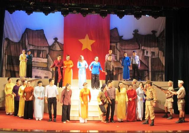 800 nghệ sĩ tranh tài sân khấu chèo chuyên nghiệp tại Ninh Bình - Ảnh 2.