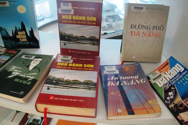 """Triển lãm sách, tư liệu """"Đà Nẵng - Thành phố đáng sống"""" - Ảnh 2."""