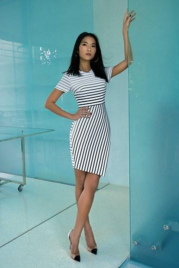 Siêu mẫu Bằng Lăng quyến rũ trong thiết kế của Tăng Thanh Hà - Ảnh 7.