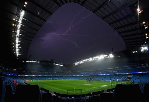 Thể thao 24h: Trận đấu của Man City bị hoãn do thời tiết xấu  - Ảnh 1.