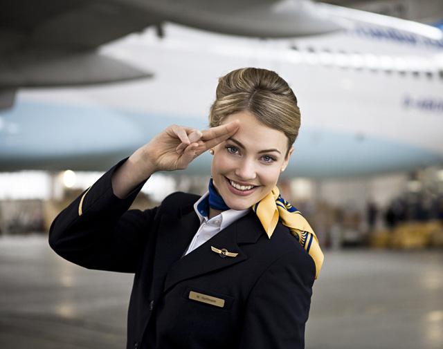 Tiếp viên hàng không chia sẻ những điều du khách không nên làm khi đi máy bay - Ảnh 2.