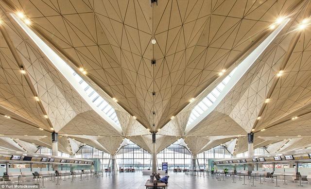 Những sân bay ấn tượng khiến du khách dù bị trễ chuyến cũng thấy... vui lòng - Ảnh 3.