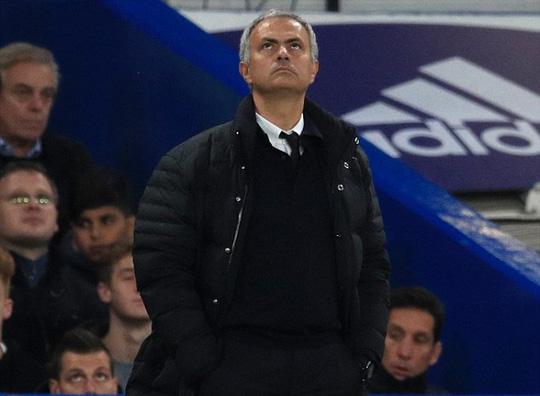 MU chìm trong thất vọng: Giờ thì ai phản bội Mourinho? - Ảnh 3.