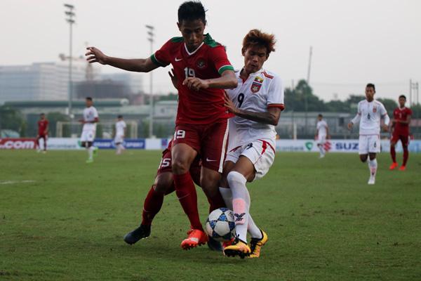 U19 Thái Lan nhọc nhằn thắng Lào trong ngày ra quân - Ảnh 2.