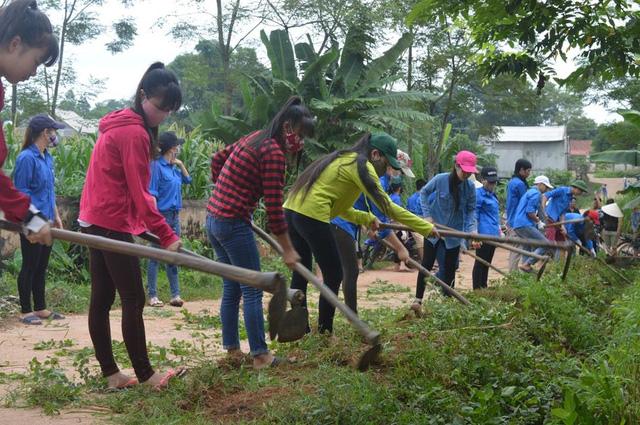 Mùa Hè xanh giàu ý nghĩa của SV tình nguyện ĐH Nông Lâm Thái Nguyên - Ảnh 3.