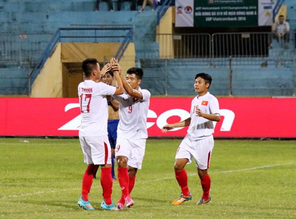 VIDEO U19 Việt Nam 4-3 U19 Philippines: Thắng nhưng vẫn lo - Ảnh 2.
