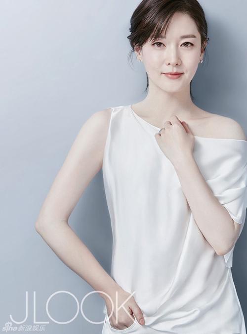 Lee Young Ae - Xứng danh mỹ nhân không tuổi! - Ảnh 3.