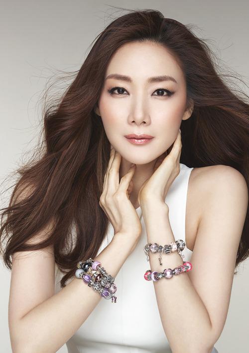 Nữ hoàng bi thương Choi Ji Woo - Vinh quang nay còn đâu! - Ảnh 3.