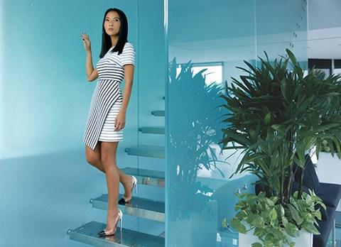 Siêu mẫu Bằng Lăng quyến rũ trong thiết kế của Tăng Thanh Hà - Ảnh 3.