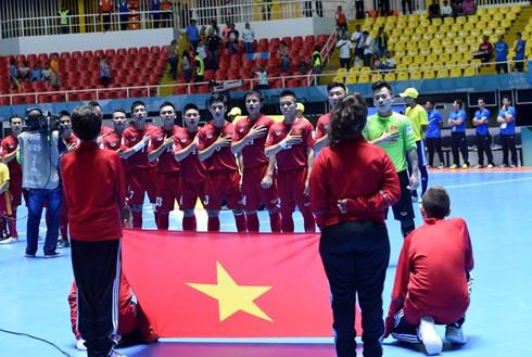Futsal Việt Nam chào World Cup: Ngẩng cao đầu đưa lịch sử sang trang - Ảnh 3.