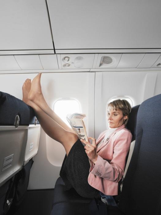 Tiếp viên hàng không chia sẻ những điều du khách không nên làm khi đi máy bay - Ảnh 3.