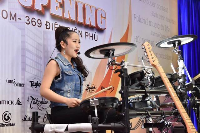 Những điểm nhấn khó quên tại tuần lễ khai trương showroom Việt Thương 369 - Ảnh 2.