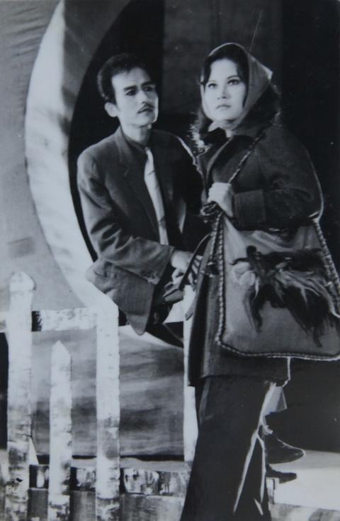 Ảnh hiếm của NSƯT Phạm Bằng trên sân khấu kịch hơn 40 năm trước - Ảnh 4.