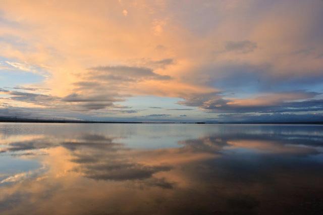 Hồ nước mặn Chaka - Tấm gương của bầu trời - Ảnh 4.
