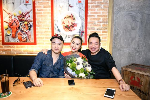 """Dàn sao Việt """"lội nước"""" đến chúc mừng vợ chồng Tăng Thanh Hà - Ảnh 4."""