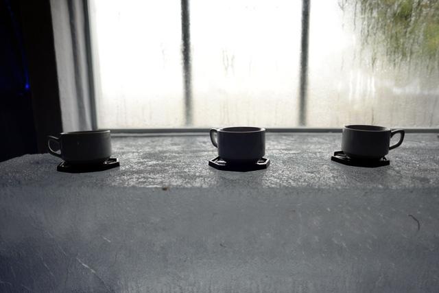 Giới trẻ Sài Gòn thích thú với quán cà phê lạnh -10 độ C - Ảnh 4.