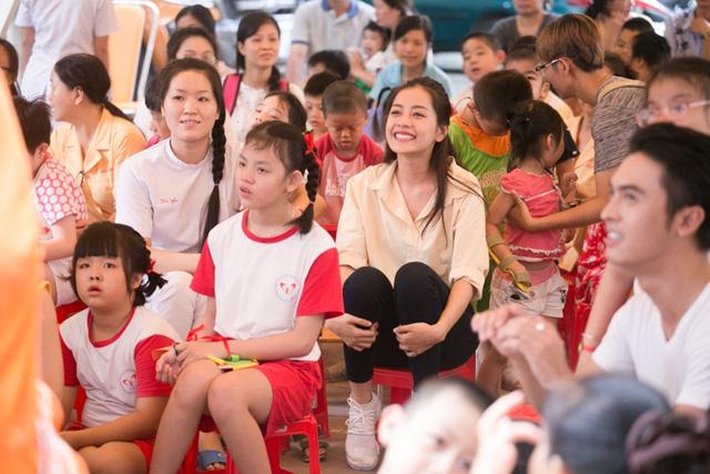 Chi Pu đón Trung thu cùng 150 trẻ khuyết tật - Ảnh 4.