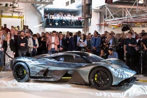 Siêu xe đường phố Aston Martin 3,2 triệu USD ra mắt tại Singapore - Ảnh 4.