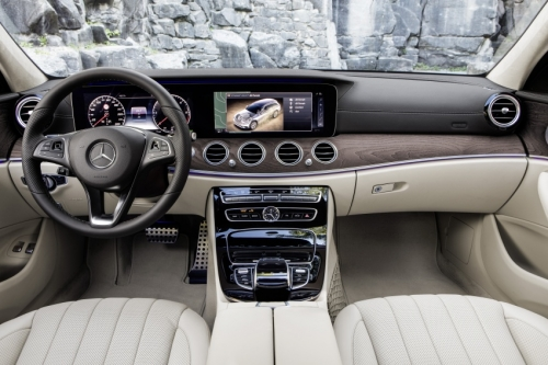 Mercedes-Benz E-Class All-Terrain - Xe offroad dành cho gia đình - Ảnh 4.