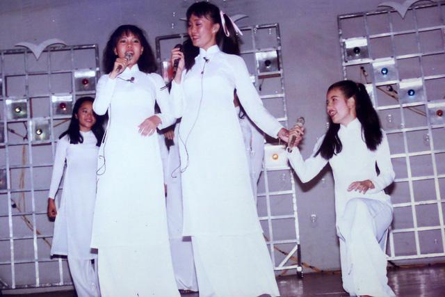 """Ngắm loạt ảnh """"một thời tuổi trẻ"""" của Việt Hương - Ảnh 5."""