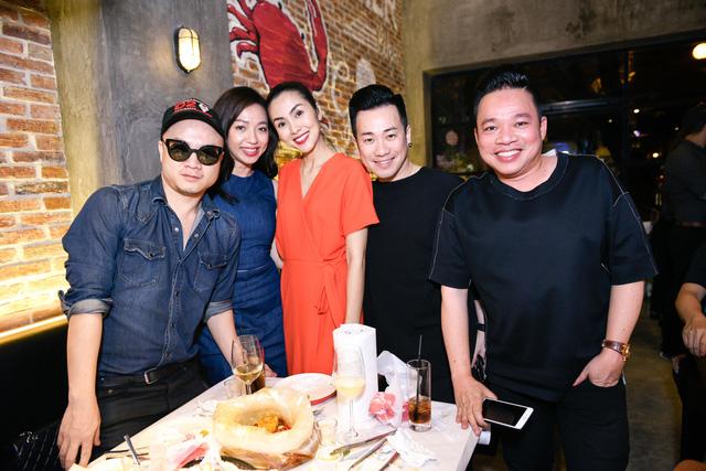 """Dàn sao Việt """"lội nước"""" đến chúc mừng vợ chồng Tăng Thanh Hà - Ảnh 5."""