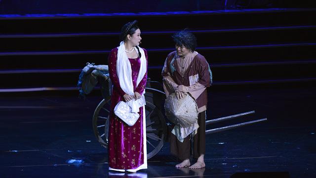 Xuân Hinh múa hầu đồng khiến khán giả choáng ngợp - Ảnh 5.