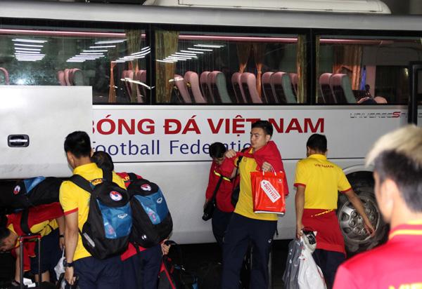 ĐTQG Việt Nam về nước, kết thúc thành công chuyến tập huấn tại Paju - Ảnh 6.