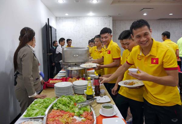 ĐT Futsal Việt Nam đã có mặt tại Bucaramanga chuẩn bị cho trận đấu với Italia - Ảnh 6.