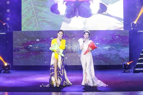 Minh Trang Ly Ly khóc trong liveshow khi hát ca khúc về cha - Ảnh 6.