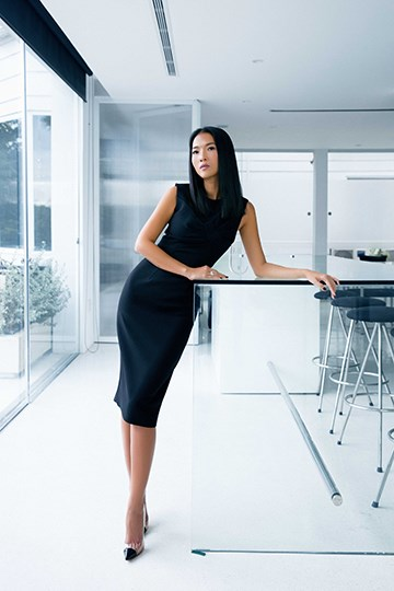 Siêu mẫu Bằng Lăng quyến rũ trong thiết kế của Tăng Thanh Hà - Ảnh 6.