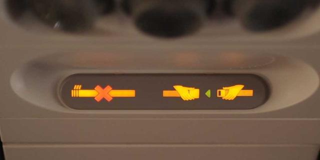 Tiếp viên hàng không chia sẻ những điều du khách không nên làm khi đi máy bay - Ảnh 6.