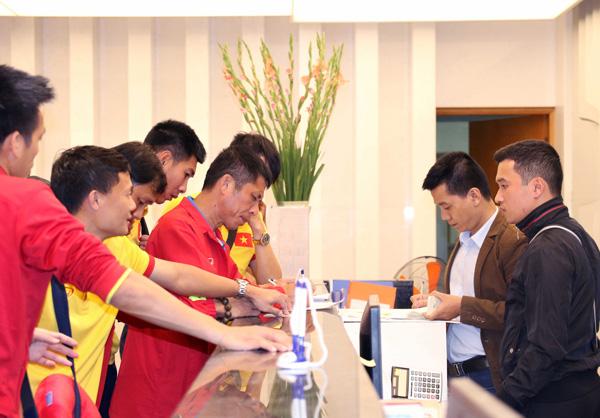 ĐTQG Việt Nam về nước, kết thúc thành công chuyến tập huấn tại Paju - Ảnh 7.