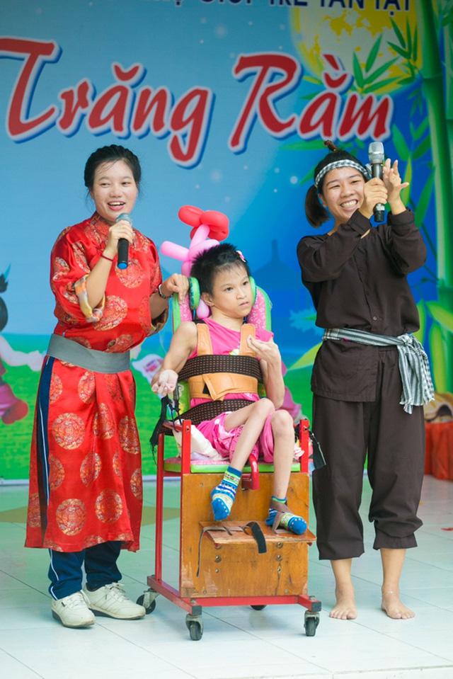 Chi Pu đón Trung thu cùng 150 trẻ khuyết tật - Ảnh 7.
