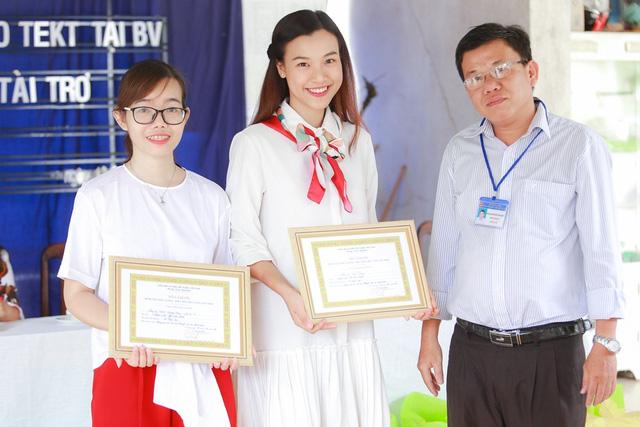 Á hậu Hoàng Oanh, Thuỳ Dung mang trung thu về với trẻ khuyết tật Tây Ninh - Ảnh 8.