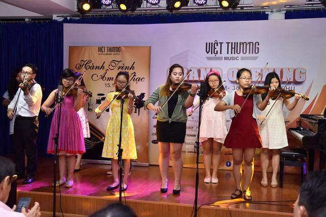 Những điểm nhấn khó quên tại tuần lễ khai trương showroom Việt Thương 369 - Ảnh 6.