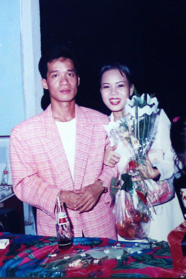 """Ngắm loạt ảnh """"một thời tuổi trẻ"""" của Việt Hương - Ảnh 9."""