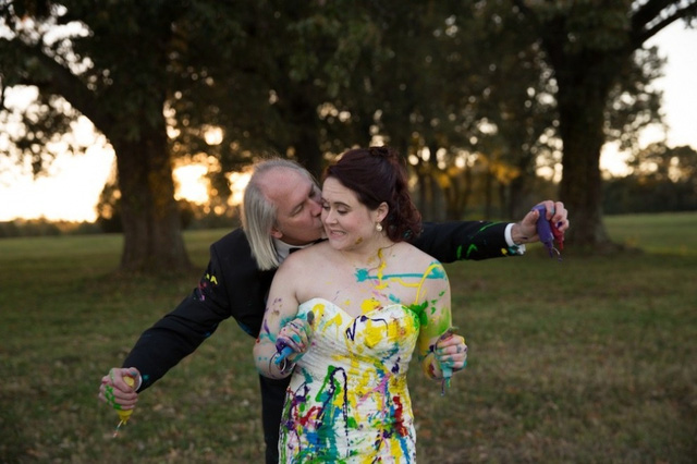 """Bị hủy hôn, cô dâu biến tiệc cưới """"hụt"""" thành ngày vui đáng nhớ - Ảnh 9."""