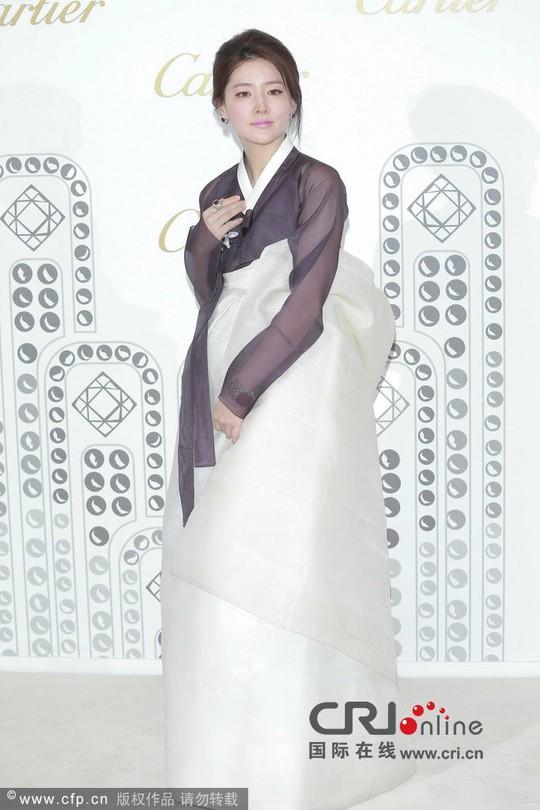 Lee Young Ae - Xứng danh mỹ nhân không tuổi! - Ảnh 9.