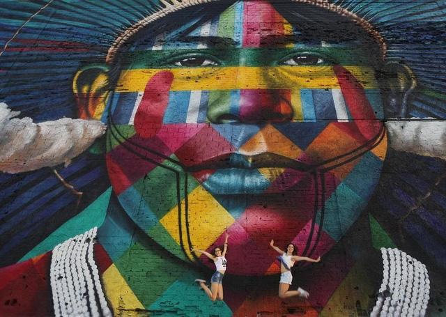 Nghệ sĩ lập kỷ lục vẽ tranh tường ăn mừng thế vận hội Olympic - Ảnh 9.