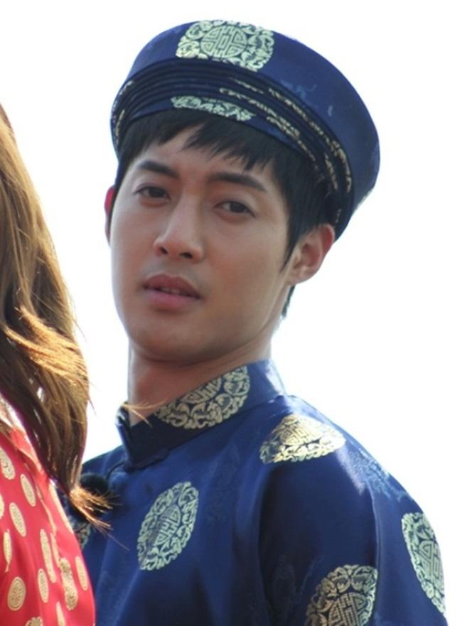 Khi sao quốc tế thể hiện tình yêu với tà áo dài Việt - Ảnh 9.